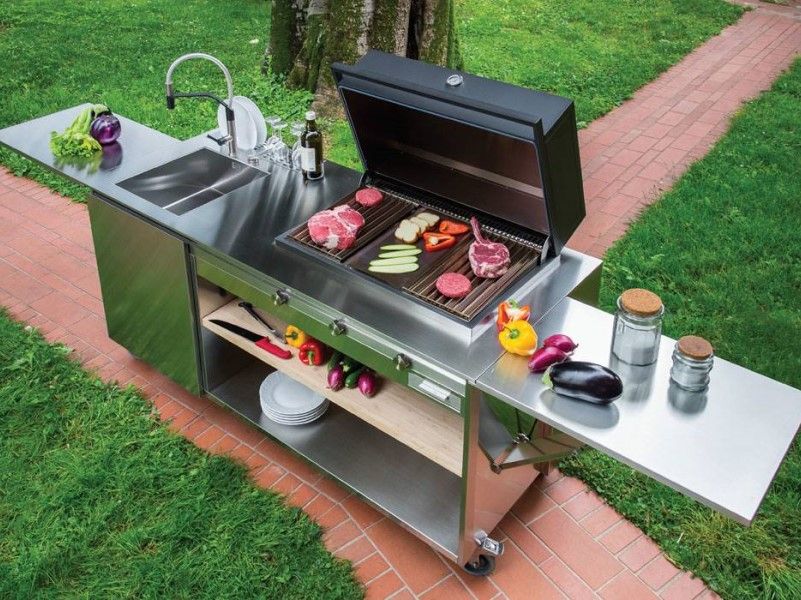 Outdoor Kitchen With Wheels Complete Outdoor Kitchen Easily Movable
